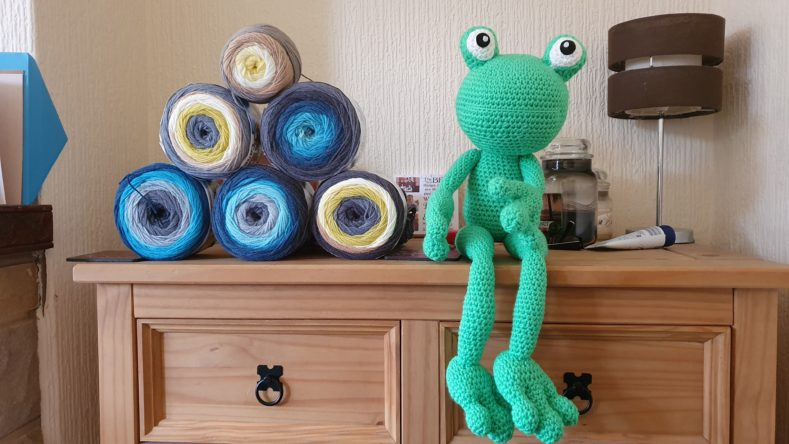 Crochet Tutorial Amigurumi Frog - YouTube | 444x789
